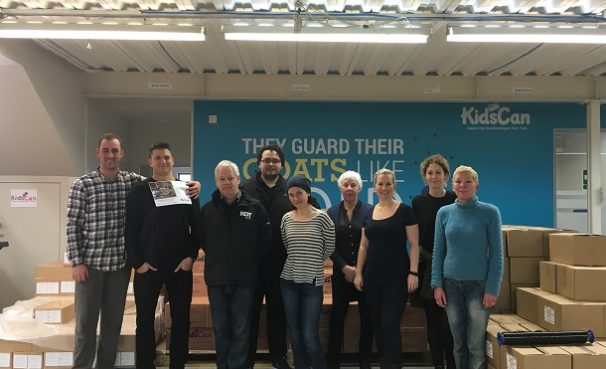 RDT Pacific volunteers at KidsCan HQ